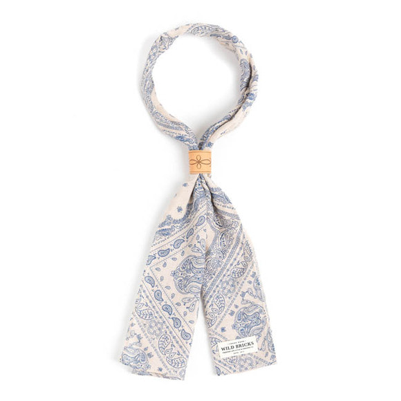 WILDBRICKS - SQ PAISLEY SCARF (ivory)